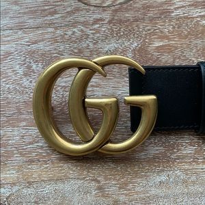 Authentic Gucci Leather belt Double G NEVER WORN